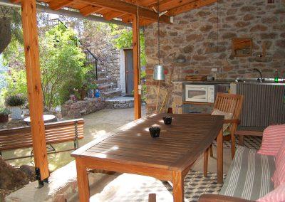 terras vanuit buitenkeuken